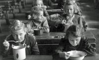 ¿Sabes lo que comen tus hijos en el comedor del colegio?